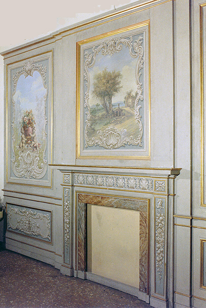 ANTIQUE PAINTINGS - DECORATED BOISERIE - FIREPLACE PAINTED IN OIL TEMPERA AND GOLD ON WOOD